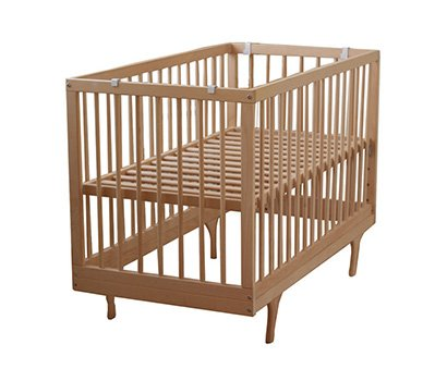 baby cot with easel